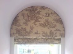 Arched roman with front lambrequin style treatment to soften the hard edges of the window frame - Houses interior designs Blinds For Arched Windows, Arched Window Coverings, Curtains With Blinds, Window Curtains, Roman Blinds, Valances, Lounge Curtains, Arch Windows, Yellow Curtains