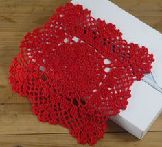 Square Crocheted Doilies Placemats White Ecru Red Army Shabby Chic Look Sector 20x20cm -- Physical picture 100% $19.88