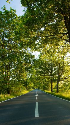 Find the best Summer Wallpaper for iPhone on GetWallpapers. We have background pictures for you! World Wallpaper, Summer Wallpaper, Iphone 6 Wallpaper, Nature Wallpaper, Love Background Images, Photo Background Images, Beautiful Roads, Nature Pictures, Road Pictures