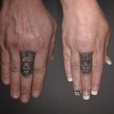 lion--lioness-finger-black-grey-wildlife-tattoo-realism