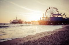 What is your favorite thing to do at the Santa Monica Pier? #FavoriteFriday #SantaMonica #SantaMonicaPier