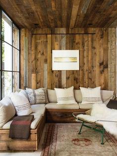49 Gorgeous Rustic Cabin Interior Ideas https://www.futuristarchitecture.com/14111-rustic-cabin.html