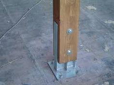 Risultati immagini per pilastri tettoia in legno