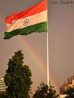 Rainbow adding colors to the Indian Flag Gulshan Singh Indian Flag Wallpaper, Indian Army Wallpapers, Happy Independence Day India, Independence Day Images, Indian Flag Photos, National Flag India, Indian Culture And Tradition, Amazing India, Flag Art