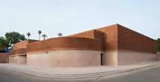 The recently opened square metre Musée Yves Saint Laurent in Marrakech is a triumph of architecture and design by Studio KO. Brick Architecture, Contemporary Architecture, Yves Saint Laurent, Marrakech Morocco, Kos, Studio Mumbai, Brick Building, Brickwork, Morocco