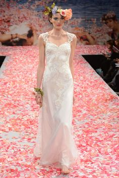 Claire Pettibone 2013 wedding gown- not sure bout the head peice tho....