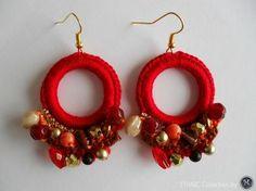 Brincos Ethnic | Maparim Crochet Collar Pattern, Crochet Earrings Pattern, Crochet Bracelet, Crochet Patterns, Thread Jewellery, Fabric Jewelry, Crochet Jewellery, Diy Earrings, Earrings Handmade
