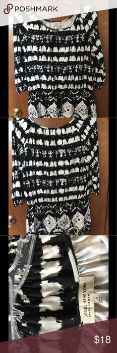 Black&White Jones New York Top Very Cool Knit Top with drawstring around waist to blouse out. 3/4 Sleeves. Keyhole button neck. True to size. 55% Cotton/45% Rayon Jones New York Tops
