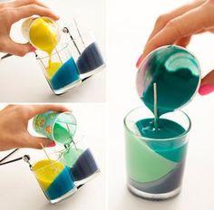 カップを斜めにして注いでいけばいいんです。 結構すぐに固まってきますので一色固まったら次を注いでいきます。 最後は平にして流しましょう。
