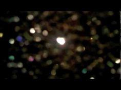 Videobservación de un cuadro de carburo de silicio de Beatriz Zamora.