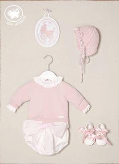 Nueva Colección de Carmen Taberner Toddler Fashion, Toddler Outfits, Kids Outfits, Kids Fashion, Baby Kind, My Baby Girl, Baby Love, Strawberry Baby, Bebe Baby