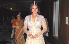 Sonakshi Sinha Ramp Walk At Tarun Tahiliani Show