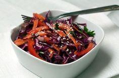 Овощной салат с красной капустой Ингредиенты: - Капуста краснокочанная 200 г…