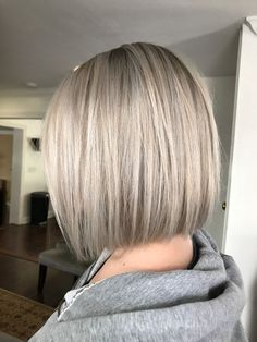 50 chic and trendy straight bob hairstyles and colors that look special, . - 50 chic and trendy straight bob hairstyles and colors that look special - Medium Length Hair Straight, Medium Hair Cuts, Medium Hair Styles, Short Hair Styles, Straight Bob Haircut, Short Straight Bob, Balayage Straight Hair, Balayage Hair, Medium Bob Hairstyles