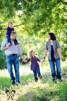 family pictures- this would be perfect for pictures at our house with all the woods!