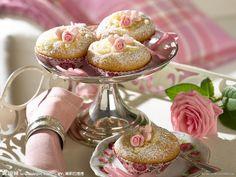 Tea Cake Cookie*w/ powdered sugar & rosebud*