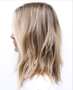 Fine-haired people complain about their dull hair. One of the biggest dreams of those who have both fine hair and straight hair is bulky hair. Curled Wedding Hair, Wedding Hairstyles For Long Hair, Pretty Hairstyles, Layered Hairstyles, Choppy Hairstyles, Fall Hairstyles, Formal Hairstyles, Headband Hairstyles, Natural Hairstyles
