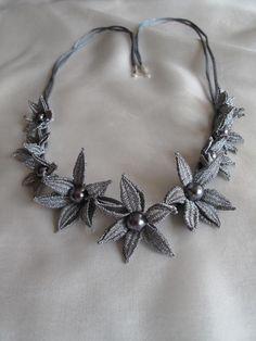 Náhrdelníky « Galerie | PALIČKOVANÁ KRAJKA - Romana Kdýrová  Cluny leaves necklace