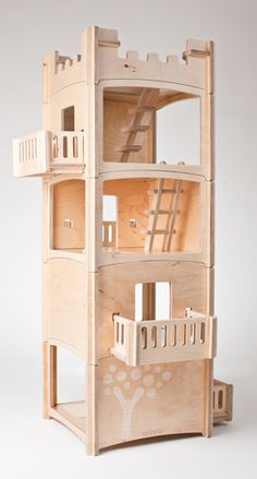 The Toideloi Stackhouse is a modular dollhouse. Kids or parents can change the dollhouse by arranging and stacking the rooms, balconies and roofs into many unique structures.