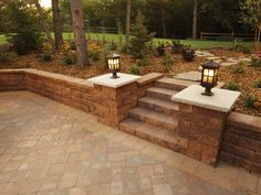 Anchor Wall's Highland Stone® retaining wall system evokes the charming, hand-stacked walls of centuries past. Find out where Highland Stone® products are sold! Retaining Wall Bricks, Backyard Retaining Walls, Retaining Wall Design, Backyard Patio, Retaining Wall With Steps, Brick Steps, Brick Walkway, Back Garden Design, Front Yard Design