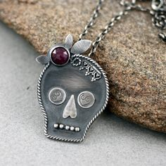 MedusaArt / silver sugarskull, silver pendant with ruby, ruby, hand made sugarskull