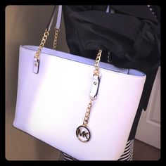 """Michael Kors Optic White Gold Jet Set Chain Tote Michael Kors Optic White Gold Jet Set Chain Tote. New with tags. Leather. 15"""" across & 9 ½"""" tall (not including shoulder strap length). Michael Kors Bags"""