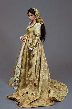 Bianca ensemble by Martha Boers, Antique Lilac Medieval Gown, Renaissance Dresses, Renaissance Fashion, Italian Renaissance Dress, Barbie Gowns, Barbie Clothes, Period Outfit, Fantasy Dress, Under Dress