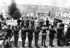 A mass execution of Spanish Republican fighters by Fascist forces (July Note the children watching at the left of the frame. Spanish War, Crime, Vietnam, World Conflicts, Armed Conflict, Eastern Star, Freemasonry, Illustrations, World War Ii