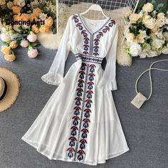 Stylish Dresses For Girls, Elegant Dresses, Pretty Dresses, Beautiful Dresses, Pakistani Fashion Party Wear, Indian Fashion Dresses, Embroidery Fashion, Embroidery Dress, Edgy Outfits