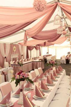 Púderes árnyaltok, nálam az örök kedvencek!!!! Pink And Gold Wedding, Wedding Set Up, Wedding Stage, Hotel Wedding, Rustic Wedding, Wedding Ceremony, Wedding Table Linens, Baby Shower Princess, Wedding Decorations