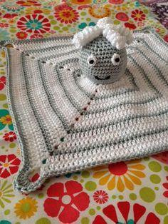 Voor de juf voor wie ik deze struisvogel heb gemaakt, heb ik nu ook een knuffeldoekje gemaakt. Ik werd gevraagd door haar vervangster om...