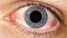 Eine korrekte Augenpflege ist sehr wichtig, denn oft sind die Augen überbelastet - insbesondere bei langem Sitzen vor dem Fernsehr oder dem Computer - und dies kann zu Beschwerden und dem Verlust von Sehfähigkeit führen. In diesem Beitrag findest du verschiedene Hausmittel gegen trockene Augen, eines der häufigsten Augenprobleme.
