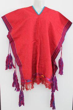 Un favorito personal de mi tienda Etsy https://www.etsy.com/mx/listing/257923879/hand-embroidered-mexican-red-poncho