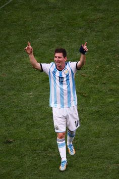 Lionel Messi of Argentina celebrates after defeating Belgium during the 2014 FIFA World Cup Brazil Quarter Final match between Argentina. Argentina Football Team, Messi Argentina, Messi Pictures, Messi Photos, Good Soccer Players, Soccer Fans, Neymar, Messi Messi, Leonel Messi