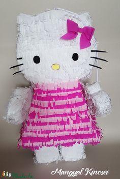 Egyedi  piñata (pinyáta) (mangyal0403) - Meska.hu Snoopy, Diy, Character, Bricolage, Diys, Handyman Projects, Do It Yourself, Lettering, Crafting