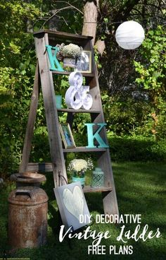 Vintage Decor Diy Free plans to build a DIY decorative vintage wood ladder. This vintage inspired ladder makes a unique display for weddings and home decor. Plus a few other ideas for DIY rustic wedding decor. Diy Home Decor Rustic, Unique Home Decor, Cheap Home Decor, Vintage Home Decor, Modern Decor, Wood Ladder, Ladder Decor, Diy Ladder, Rustic Ladder