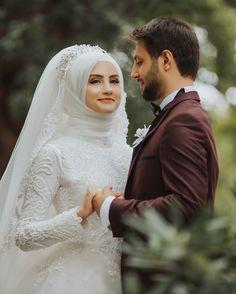 Dua To Increase Love in Husband Heart Prayer To Get Husband Protection Tesettür Makyajı Modelleri 2020 Muslimah Wedding Dress, Muslim Wedding Dresses, Muslim Brides, Bridal Hijab, Wedding Hijab, Muslim Couple Photography, Wedding Photography Poses, Cute Love Couple Images, Cute Muslim Couples