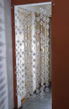 Beaded Door Curtains, Crochet Curtains, Macrame Curtain, Cute Home Decor, Vintage Home Decor, Decor Crafts, Diy Room Decor, Macrame Wall Hanging Patterns, Cool Diy Projects