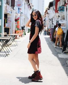 The cherry red 1460 boot. Worn by sheilanadhifa. Dr. Martens, Botas Dr Martens, Dr Martens Boots, Dr Martens Outfit, Doc Martens Style, Botas Doctor Martin, Maroon Doc Martens, Grunge Fashion Soft, 90s Inspired Outfits