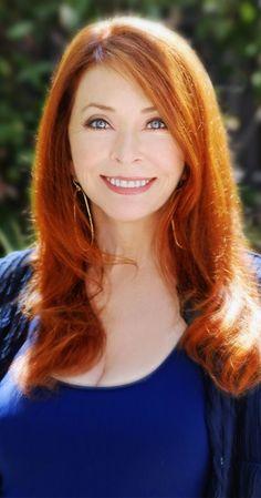 Cassandra Peterson aka Elvira Mistress of the Dark. Beautiful Red Hair, Gorgeous Redhead, Gorgeous Lady, Mature Redhead, Redhead Girl, Elvira Movies, Divas, Cassandra Peterson, Red Hair Woman