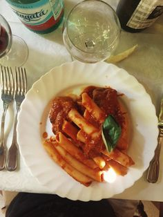 Candele (a type of pasta) with pork chops and Neapolitan sauce: foodtrotting Sorrento