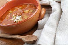 VIDEO: Jarný detox s jarnou cibuľkou Cheeseburger Chowder, Thai Red Curry, Detox, Soup, Ethnic Recipes, Soups