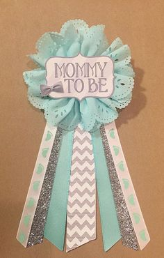 Baby shower Gray Teal Silver Baby Boy Shower Mommy-to-be Flower by afalasca Distintivos Baby Shower, Cadeau Baby Shower, Baby Shower Gender Reveal, Baby Shower Favors, Baby Shower Games, Baby Shower Parties, Shower Gifts, Baby Boy Shower, Baby Showers