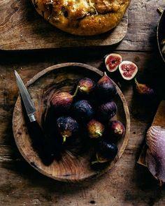 Emiliana Chateau (@emilianachateau) • Fotos y videos de Instagram Plum, Instagram, Fruit, Food, Pallets, Colors, The Fruit, Meals, Yemek