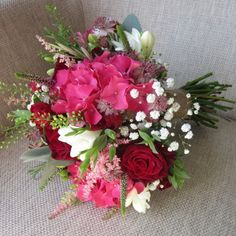 05pink-hydrangea-red-roses-wedding-flowers