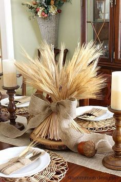 Dollar Store Fall Decor Ideas Anyone Can Make, Fall Table Settings, Thanksgiving Decorations and Pumpkin Makeovers to Decorate your Home for Fall Thanksgiving Table Settings, Thanksgiving Centerpieces, Fall Centerpiece Ideas, Thanksgiving Food, Diy Thanksgiving Crafts, Fall Table Settings, Fall Home Decor, Autumn Home, Diy Autumn