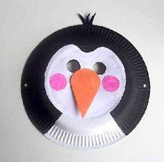 Maschera da pinguino con piatti carta