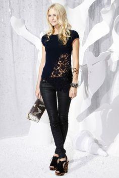 Poppy Delevingne en Leather by Chanel
