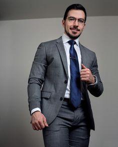 Mens Fashion Suits, Mens Suits, Business Casual Men, Men Casual, Mens Glasses, Suit And Tie, Dapper, Men Dress, Hot Guys