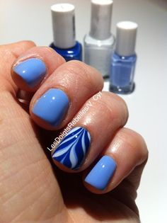 Water marble Essie: bikini so teeny/blanc/mesmerized.  Nail art par V.Cyr